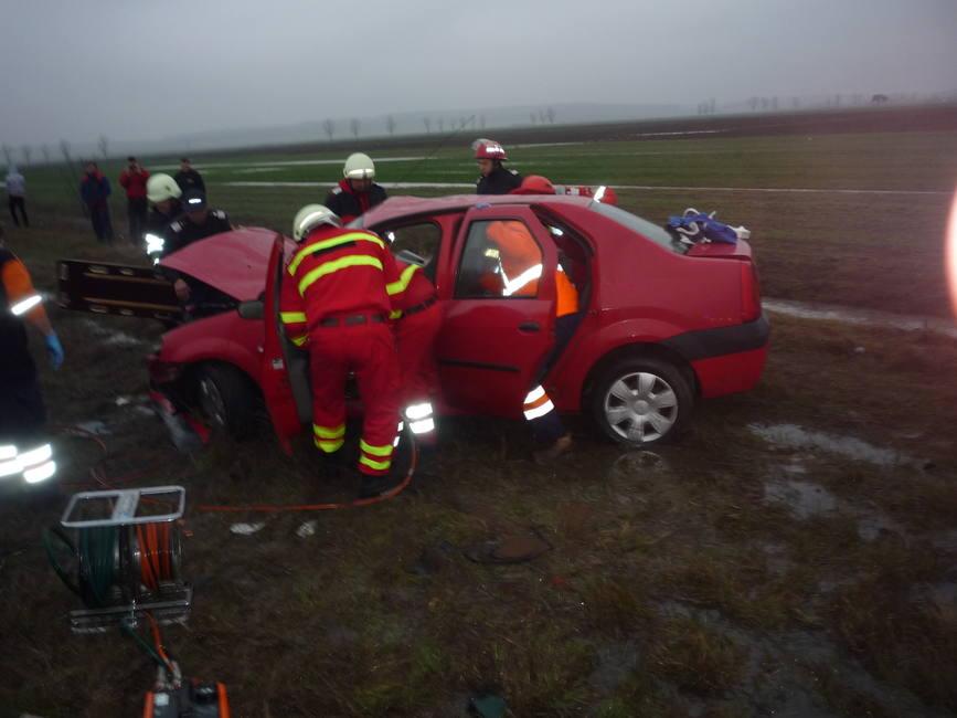 Accident cu un mort si opt raniti pe E 574 | imaginea 1