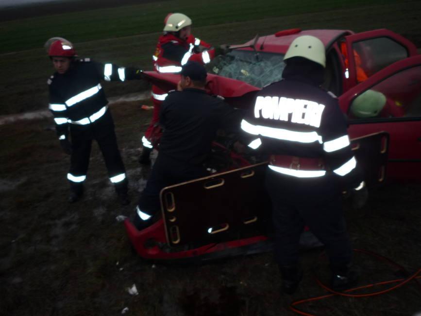 Accident cu un mort si opt raniti pe E 574 | imaginea 2