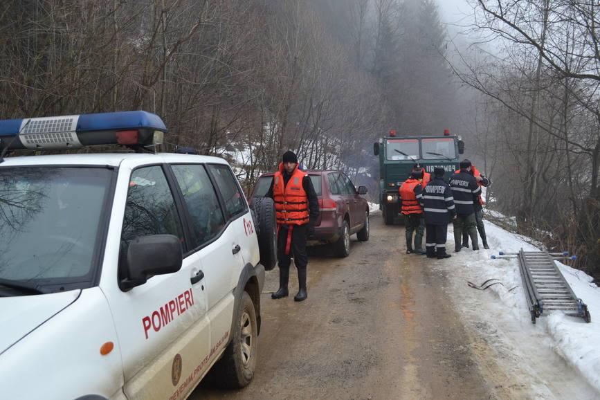 Pompierii militari suceveni in lupta cu apele   imaginea 2