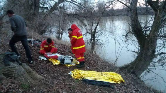 Trei barbati cazuti in Somes | imaginea 1