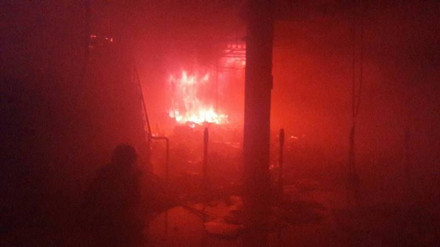 Interventie de exceptie a pompierilor la un incendiu de proportii izbucnit la un centru comercial | imaginea 1